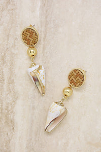 Nautical Nature Shell Earrings in Tan