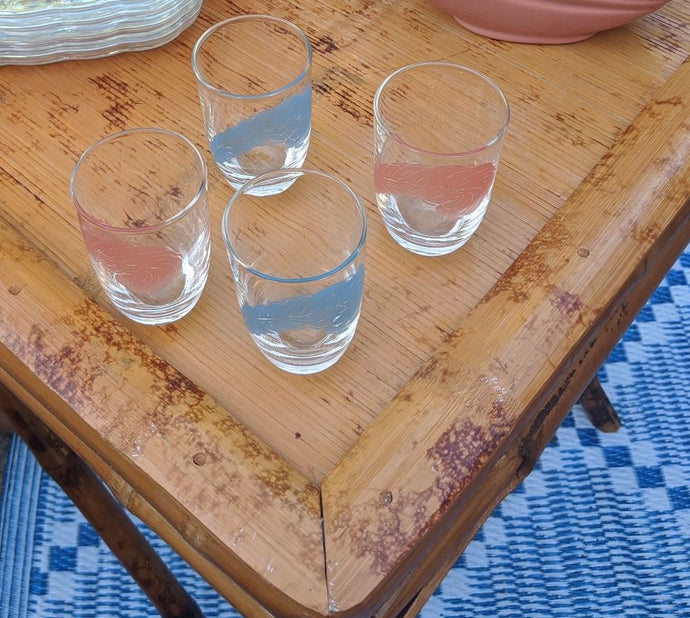 4 short Drinking Juice Water Glasses Feather Design blue pink