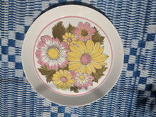 Load image into Gallery viewer, Mikasa duplex By Ben Seibel Round serving platter plate pattern 2522 pink yellow flowers