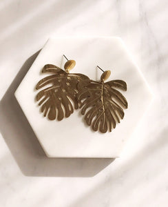 Monstera Earrings - brushed brass finish