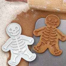 Load image into Gallery viewer, Gingerdead Men Cookie Cutters