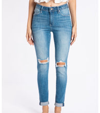 Load image into Gallery viewer, Boyfriend KanCan Jeans