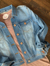 Load image into Gallery viewer, Light Blue Jean Jacket