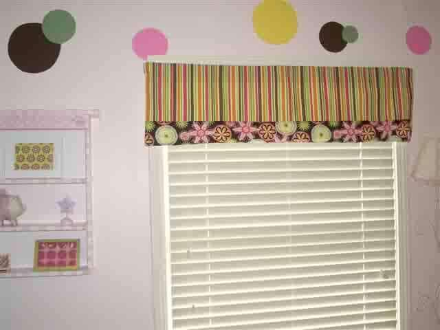 Rod Pocket With border Valance Lays Flat