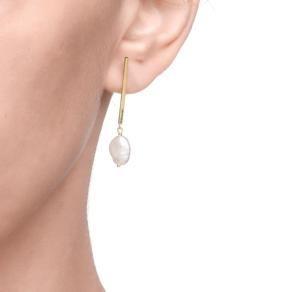 Carmenta | Maldives Earrings | 925 Silver | Organic White Pearl | 14K Gold Plated