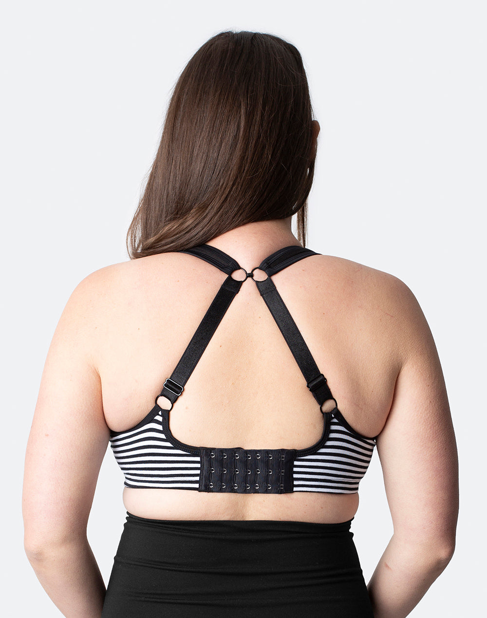 best rated sports bras for large breasts in black and white
