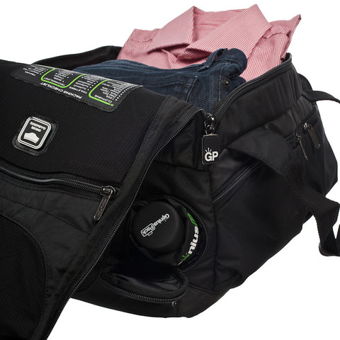 CARRY ON DUFFLE w/ INTEGRATED SUITER