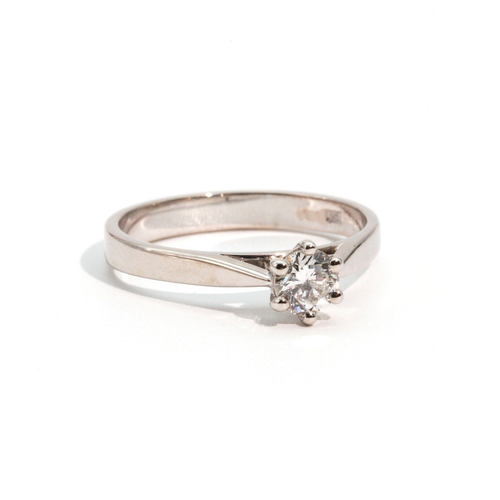 Londyn Diamond RIng