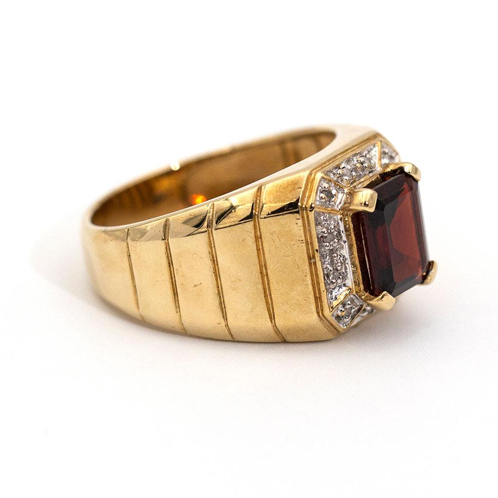 Michael Garnet & Diamond RIng