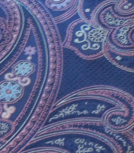 Load image into Gallery viewer, 5482 Bellinzona Italian Woven Silk Paisley