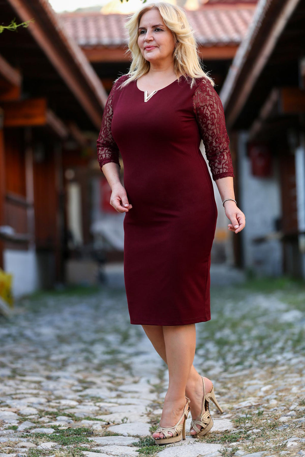 Oversize Lace Detailed Sleeves Back Buttoned Claret Red Dress