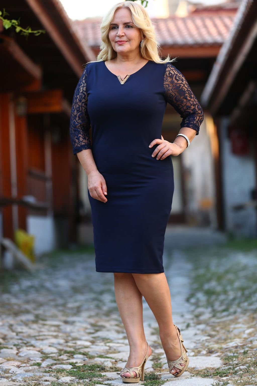 Oversize Lace Detailed Sleeves Back Buttoned Navy Blue Dress