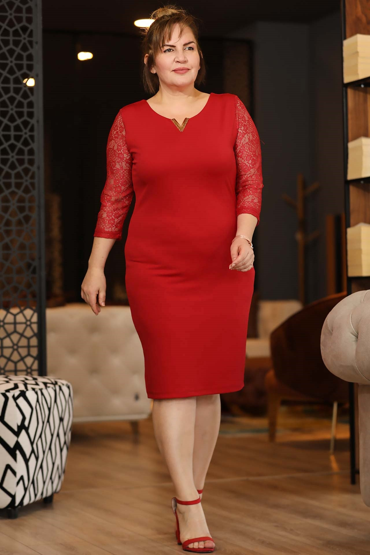 Oversize Lace Detailed Sleeves Back Buttoned Red Dress