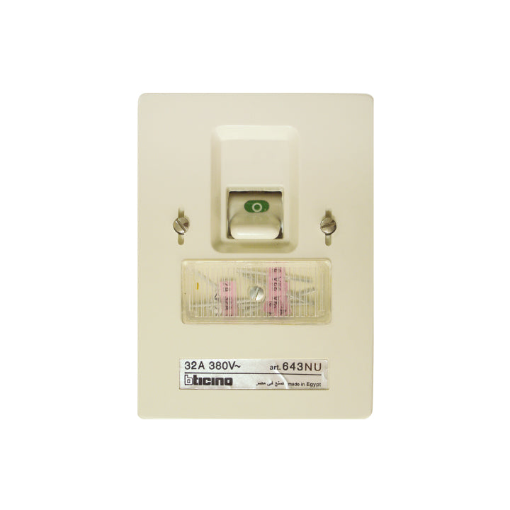 Bticino - Fuse switch  380V a.c. - with 32 A - Three Poles - Flush mounting fused