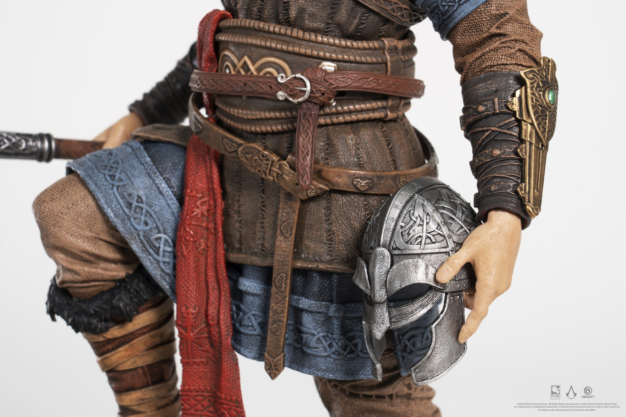 Assassin S Creed Valhalla Bundle With Eivor Statue Life Size Hidden Blade Prop Dice Game Purearts