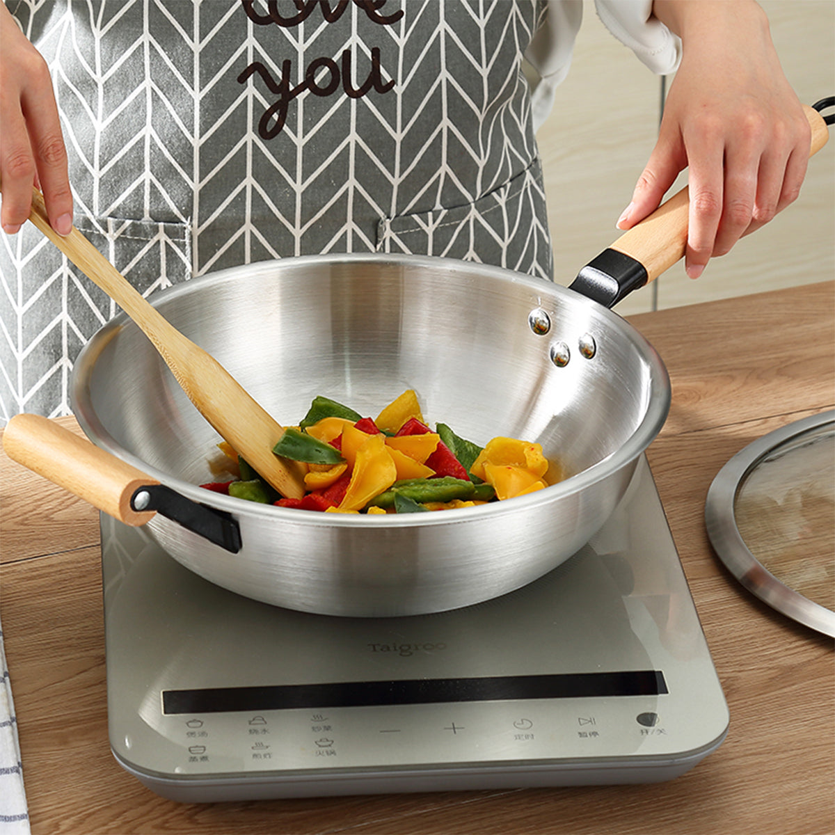 JBL 32cm Stainless steel wok with wood handle