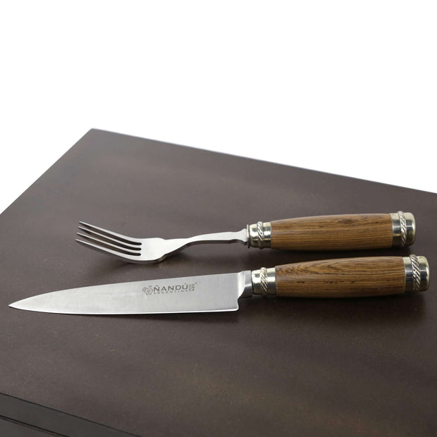Set of 12 knives and forks with brown stained guayubirá hilts and details in alpaca - Vakiano Artisans