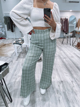 Load image into Gallery viewer, Howdy Graphic Tee