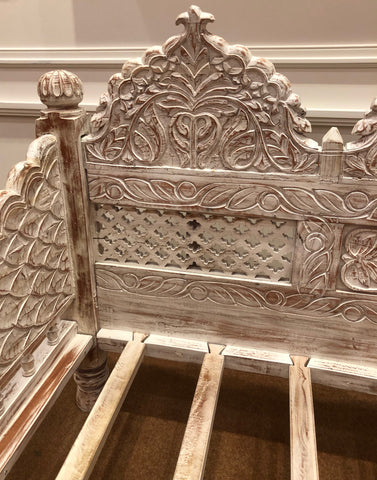 WhiteWash Carved Daybed