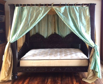 ... Triple arch Jhulla style Indian Canopy Bed ...