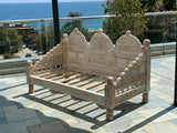 Jula handcarved love Sofa
