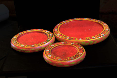 Red Indian hand painted wooden plates Set of 3