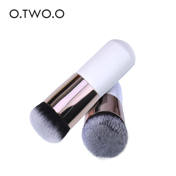 O.TWO.O Chubby Make up Brush Pier Foundation