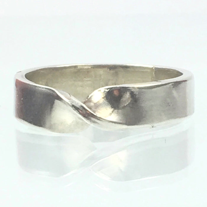 Handmade Solid Silver 925 5mm Band with a Twist