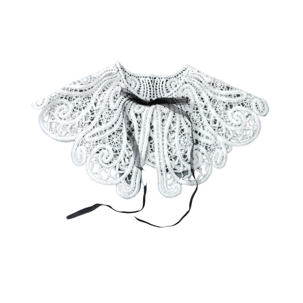 Amelie White Lace Collar