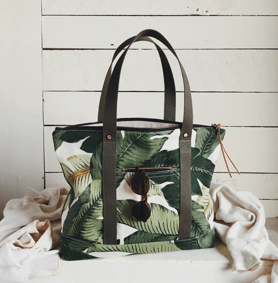 Forestbound Travel Tote - Easy Palm Sample