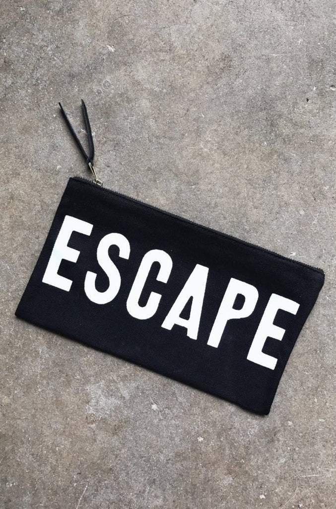 ESCAPE Travel Clutch in Black
