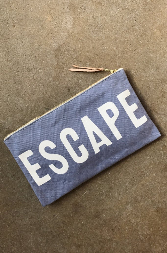 ESCAPE Travel Clutch in Summer Sky