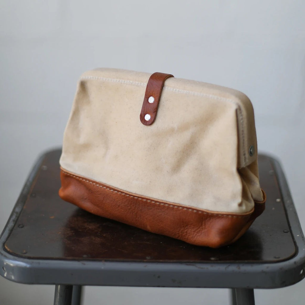 Classic Dopp Kit - Waxed Natural
