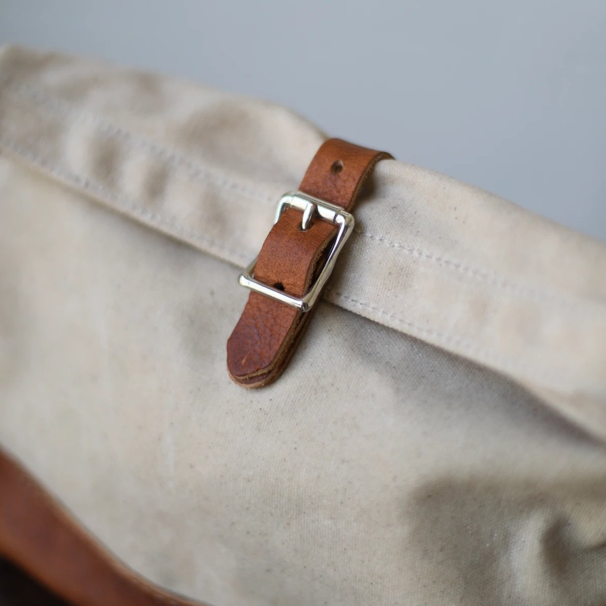 Roll Top Dopp Kit - Waxed Natural