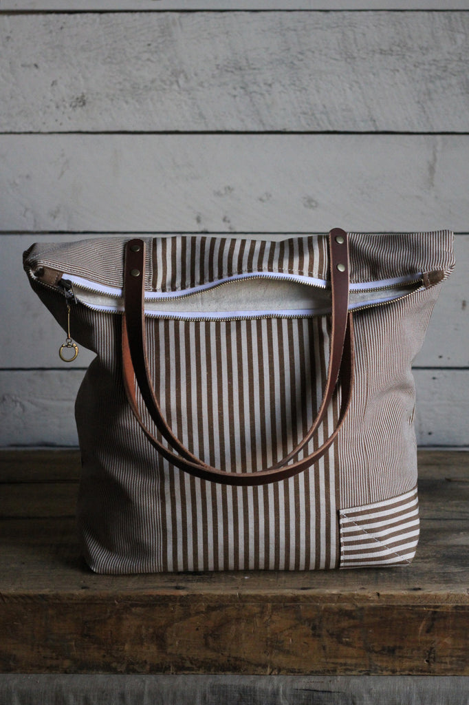 The Rambler Tote / Brown Stripe