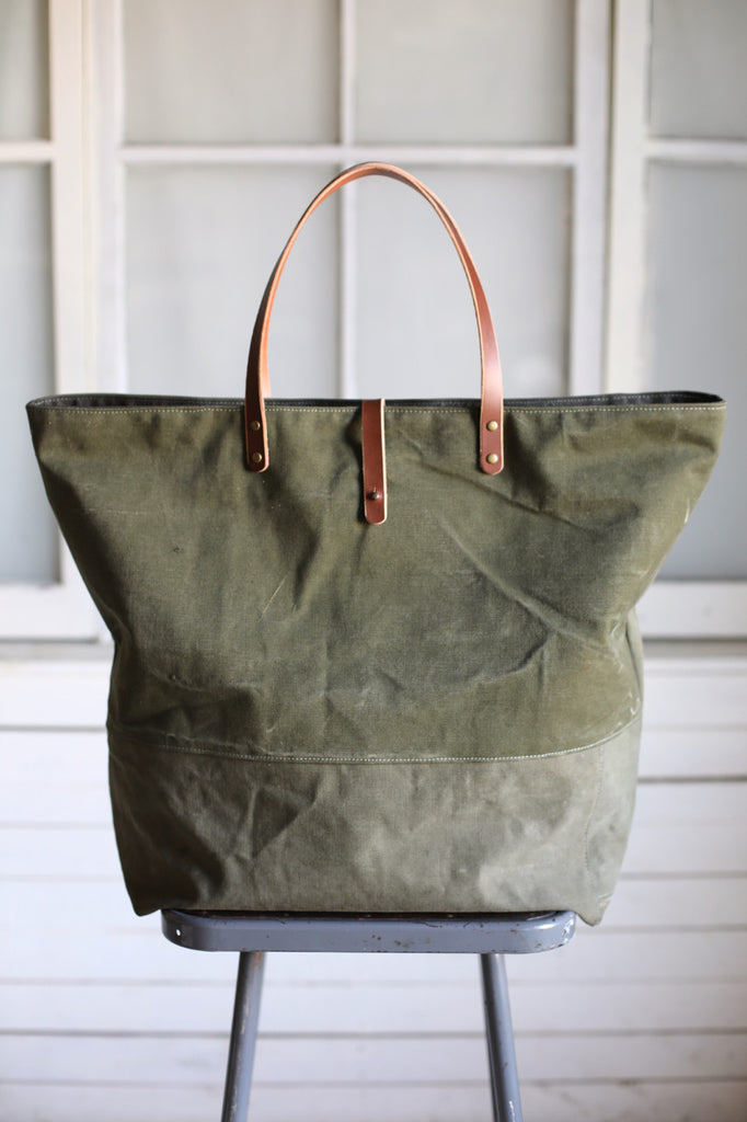 Extra Large WWII era Pocket Carryall