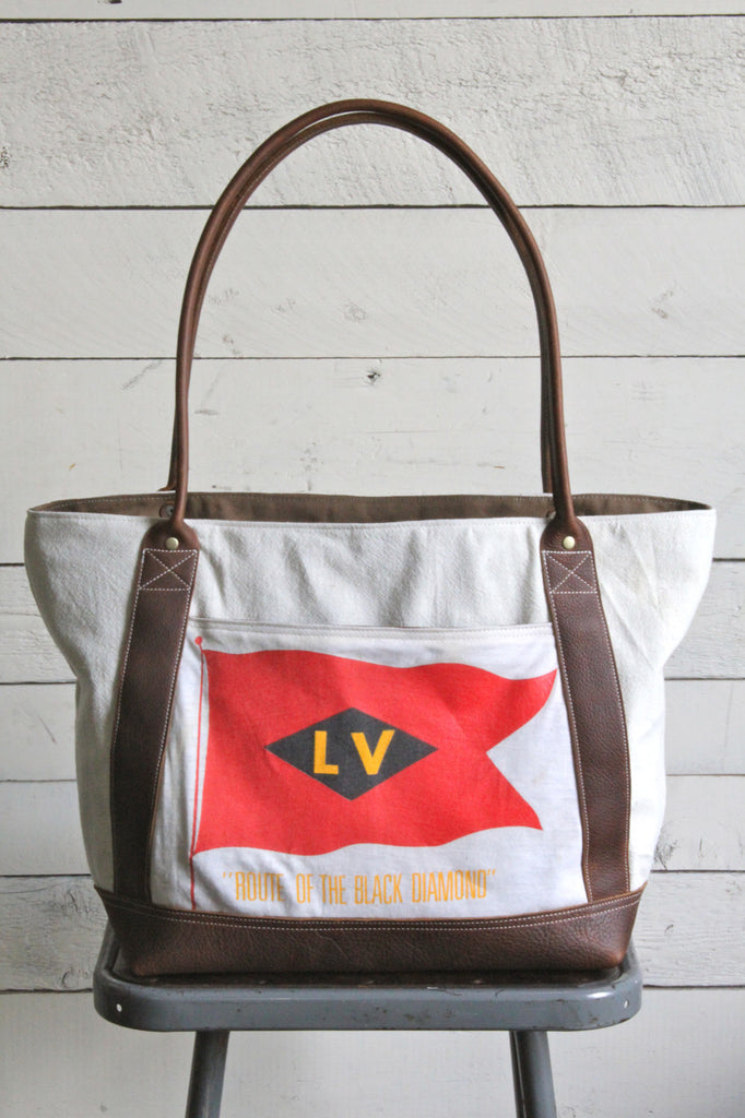 1950's era Lehigh Valley Railroad Carryall