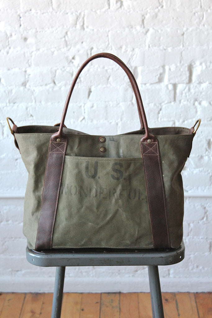 WWII era US Wonderful Weekend Bag