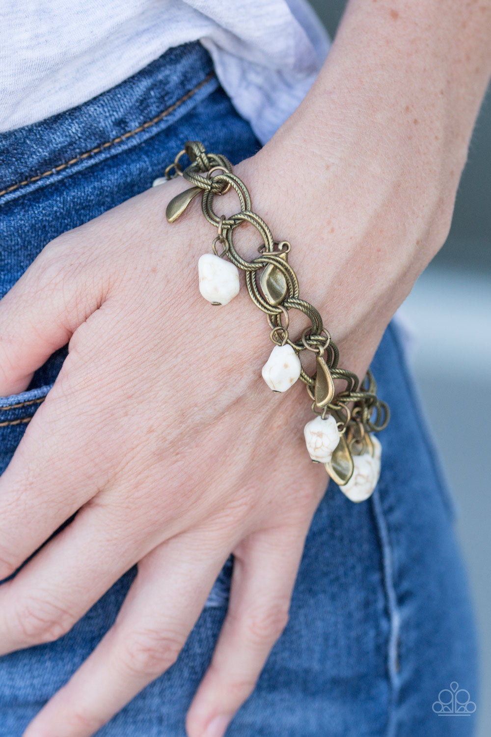 Paparazzi Walk With Nature - White - Bling It On Online