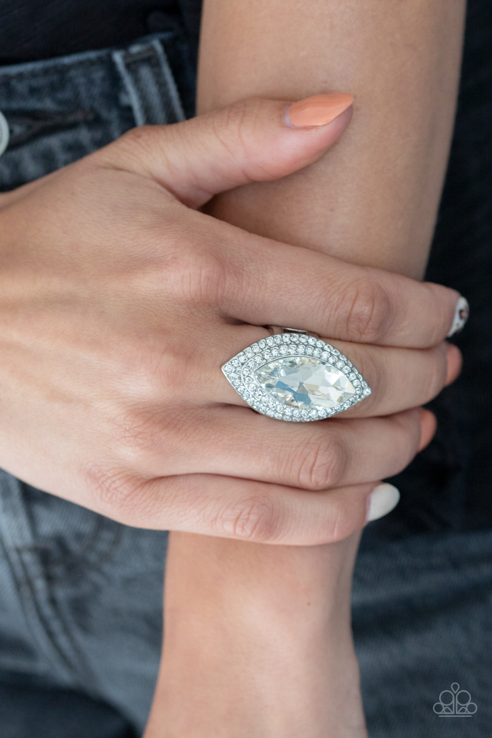 Paparazzi Jaw-Dropping Dazzle - White - Life of the Party Exclusive April 2020 - Bling It On Online