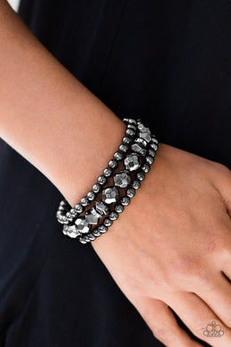Paparazzi A HAUTE Mess - Black - Bling It On Online