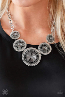 Paparazzi Blockbuster Global Glamour - Silver - Bling It On Online
