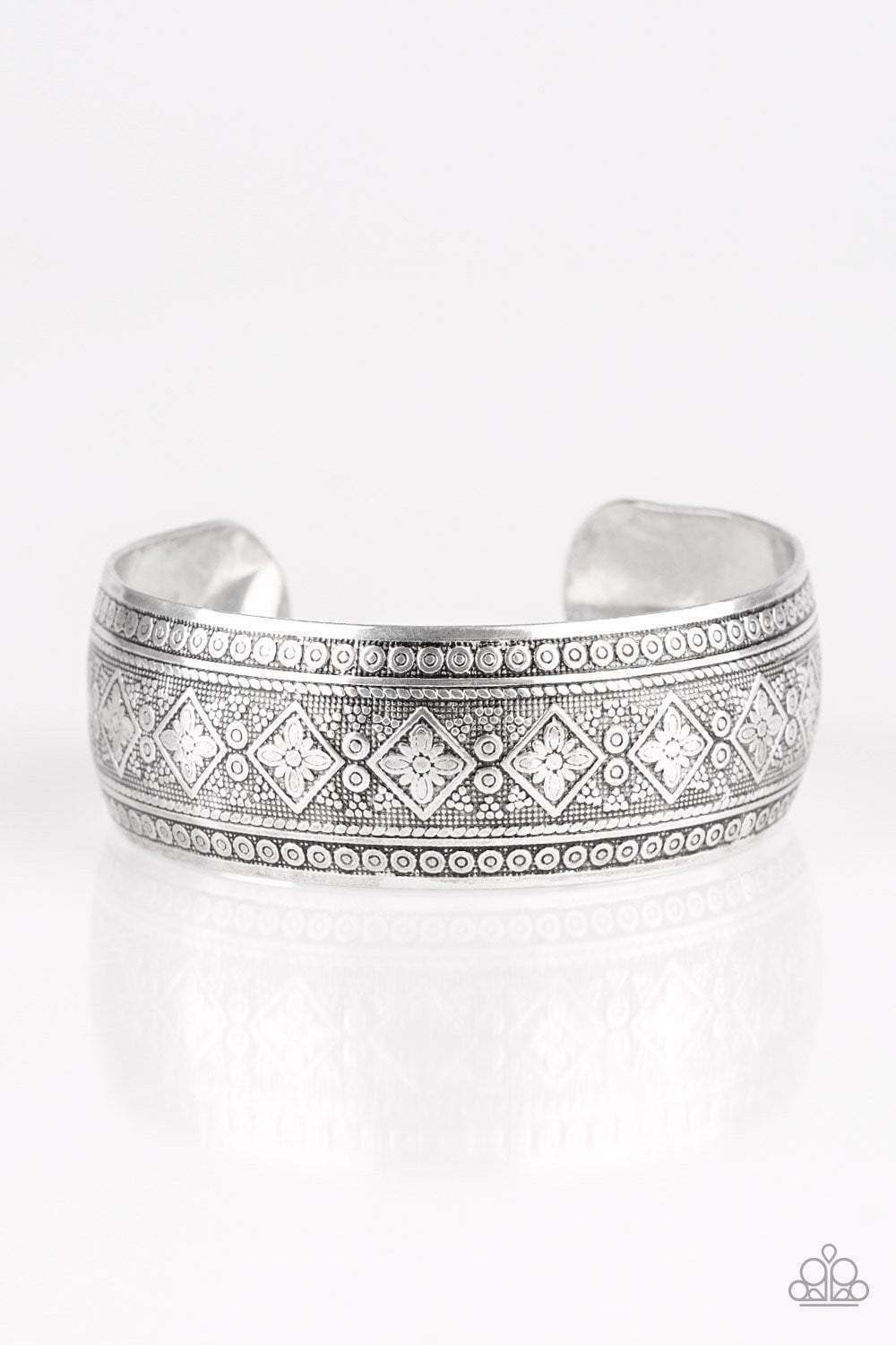 Paparazzi Gorgeously Gypsy - Silver Bracelet - Bling It On Online