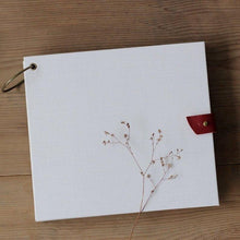Load image into Gallery viewer, Vintage White Memory Book - heilsadiyalbum