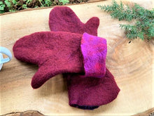 Load image into Gallery viewer, Hand-felted (extra long) mittens