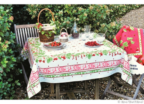 Beauvillé Strawberries Tablecloth