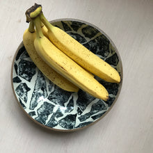 Load image into Gallery viewer, fruit bowl : torn