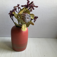 Load image into Gallery viewer, vase : coral