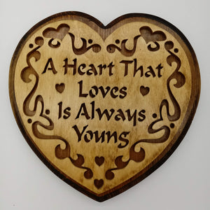 Heart That Loves Wall Hanging - Kripp's Kreations
