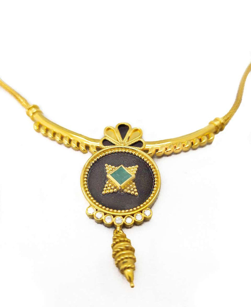 18 Karat Yellow Gold Diamond Emerald Two-Tone Necklace